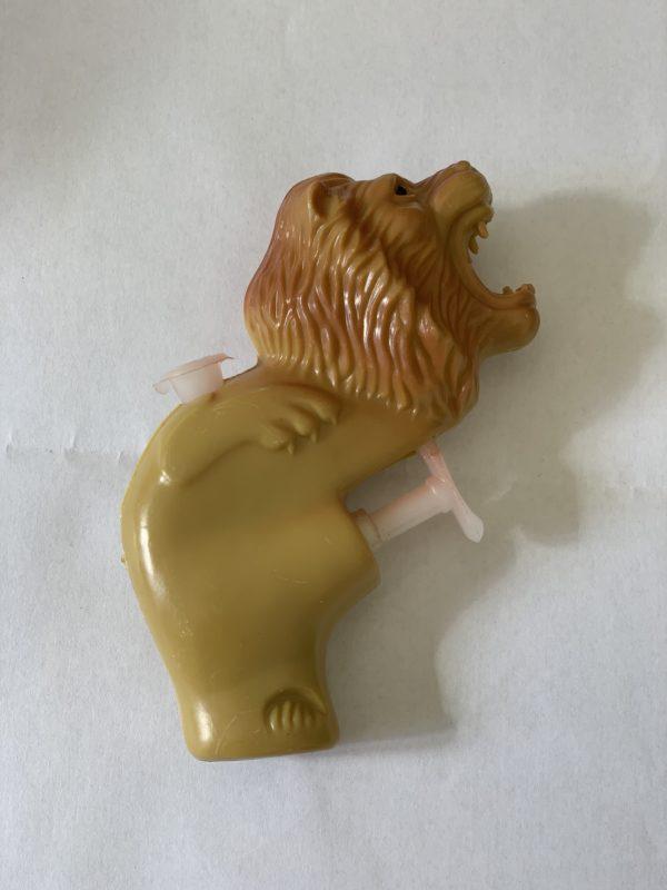 Pistolet à eau en forme de lion